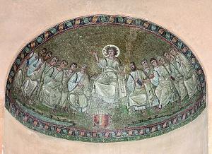 Cappella di Sant'Aquilino. Mosaico del Cristo con Apostoli conservato nella nicchia occidentale.