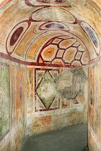 Cappella di Sant'Aquilino. Le pitture della galleria superiore.