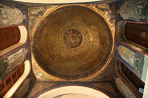 Volta mosaicata del sacello di San Vittore in Ciel d'Oro.