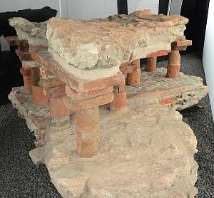 Ambiente riscaldato pertinente a una domus del IV secolo d.C., all'ingresso sotterraneo al Museo del Novecento.