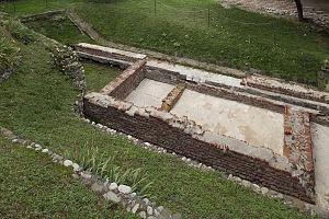 Domus conservata nel giardino del Civico Museo Archeologico.
