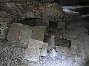 Resti di sepolture alla cappuccina messe in luce presso l'Istituto Buon Pastore.